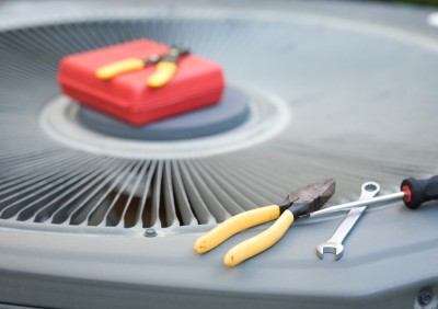 Heating and air conditioning repair service